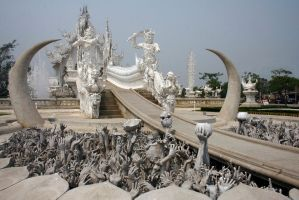 Wat Rong Khun by 1funnyguy