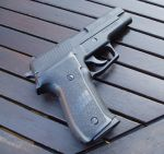 Sig Sauer P226 by ilikechillies