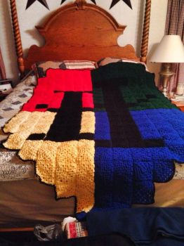 Hogwarts Crocheted Blanket by dances-with-violas
