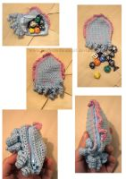 Cuttlefish pouch eating dice by SongThread
