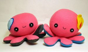 Happy pink octoplushies by jaynedanger