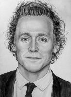 Tom Hiddleston by LazzzyV