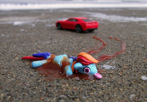 Road Kill Rainbow Dash by KingMelissa