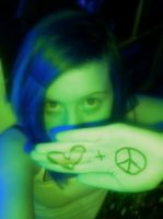 Peace  Love by PEPPERsLAUGHTER