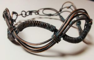 Copper wave bracelet by pecatrix