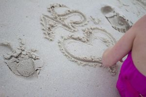 Heart in the Sand by PeasAndRice19
