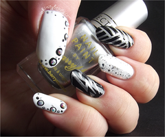 Bold Black, White and Silver by Ithfifi