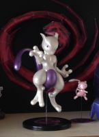 (SPECIAL) clay figure: Mewtwo by DinoeArchelon