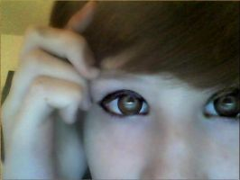 got meh circle lenses :33 by Strawberri-mashumaro