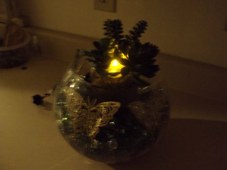 Butterfly Vase '12 Dim lighting by JoManyNames