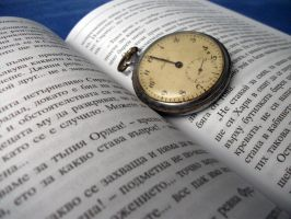 Clock and book by ivan0494