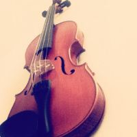Violin by Lilliot