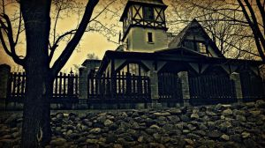 House on the haunted hill. by Peterdoesphotography