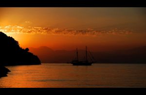 sunrise in gocek by tolgagonulluleroglu