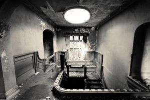 Urbex - Potters Manor 3 by mrk