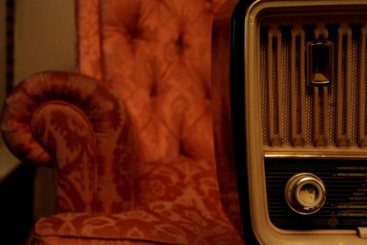 Old Radio by GreenPasserby