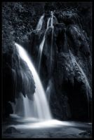 Blue waterfall by zardo