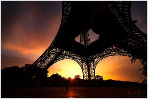 Paris - Dawn by superkev