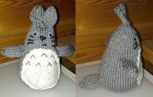 Derp Totoro ami by KnitLizzy