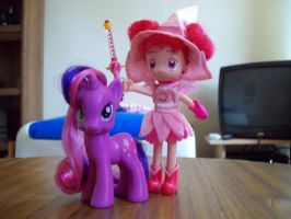 Doremi and Twilight Sparkle by Prettywitchaibou