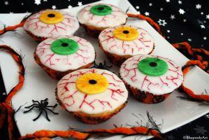 Eye cupcakes by RhapsodyArt
