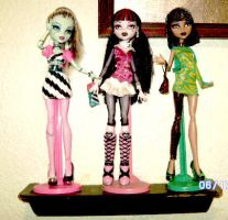 monster high dolls by curlytopsan