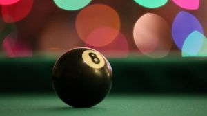 Eight Ball by Grumbles106