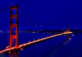 Golden Gate Bridge at Night by mnjul