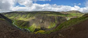 Reykjadalur Valley by TheMetronomad