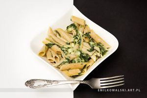 Penne with spinach in cheese sauce by KowalskiEmil