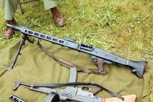 MG-42 by GeneralTate