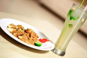 Siomay and lemon Grass Drink by msendy