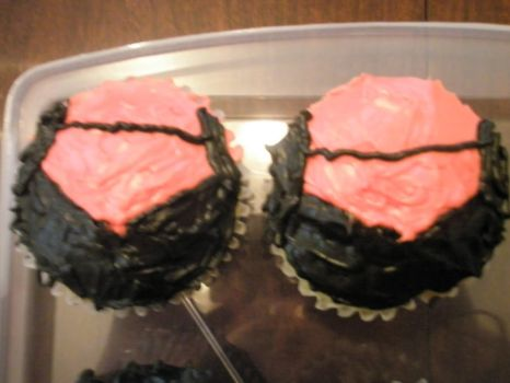 Speedy-Red Arrow Mini Cupcakes by izzybubblecoconut