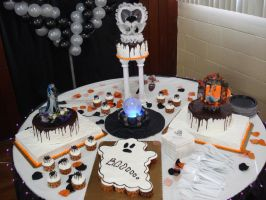 Halloween Wedding Cake - full by Erisana