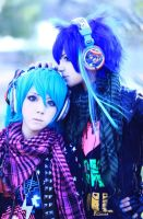 Vocaloid Miku and Kaito by CosPlayJG