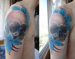 tattoo Skull and flowers by Xenija88