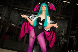 Lilice Cosplay Morrigan Aensland Darkstalkers 02 by JonathDer