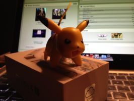 iPhone 4S and Pikachu by voyager9600