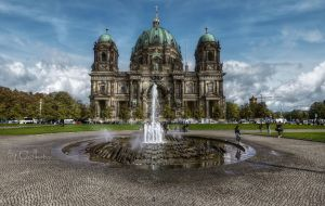 Angle from the Lustgarten by pingallery