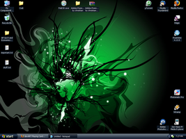 Green Desktop by NegaZero