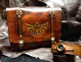 Leather Zelda Messenger bag by Skinz-N-Hydez