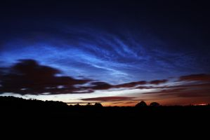 Noctilucent Clouds by quicksimon