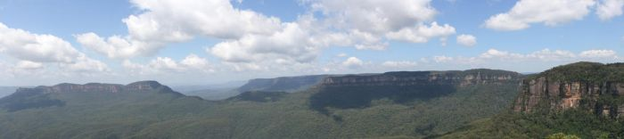 Panorama At Katoomba. by ant-lion