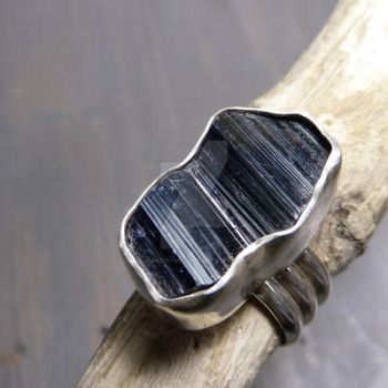 Anatase ring by Jealousydesign