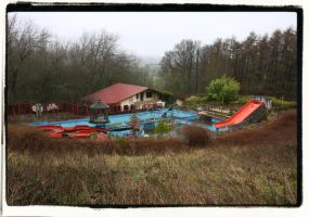 Kosmos Swimming Pool by Urbex