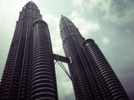 Petronas Towers by shangerz