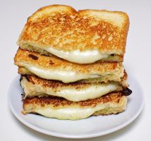 cheese sandwich by tracylopez