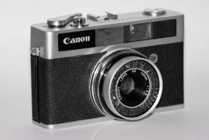 Canon Canonet Junior by spookyt5