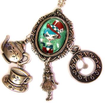 necklace Alice and Mad Hatter by MarariaComplementos