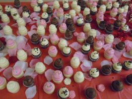 Sweet mini cupcakes at the prom by mylesterlucky7